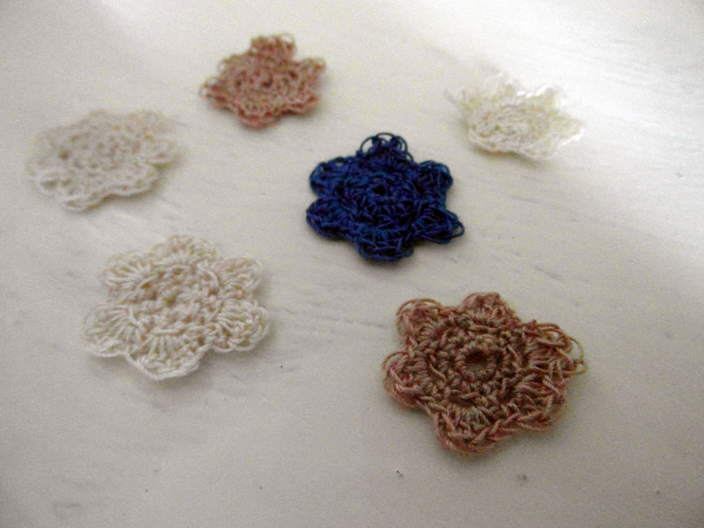 crocheted lace flowers