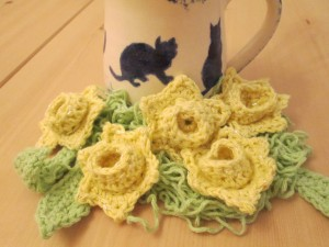 crocheted daffodil