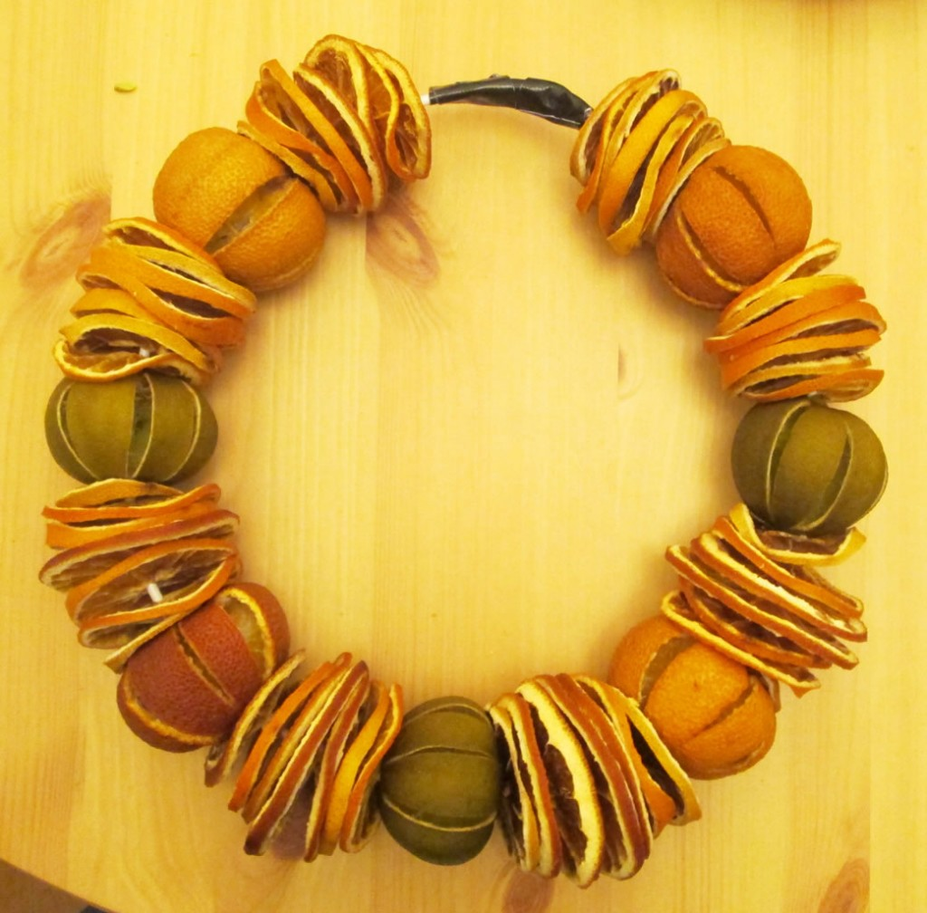 dried fruit wreath, citrus wreath, natural christmas