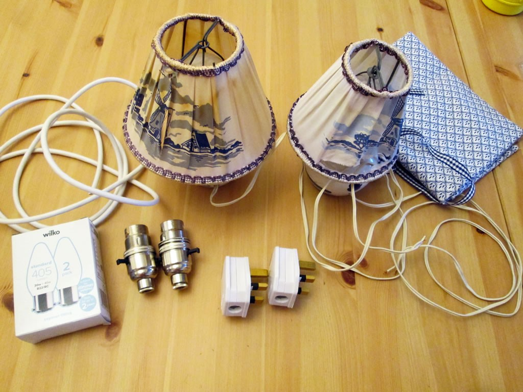 hoe to recover a lampshade rewire a  lamp