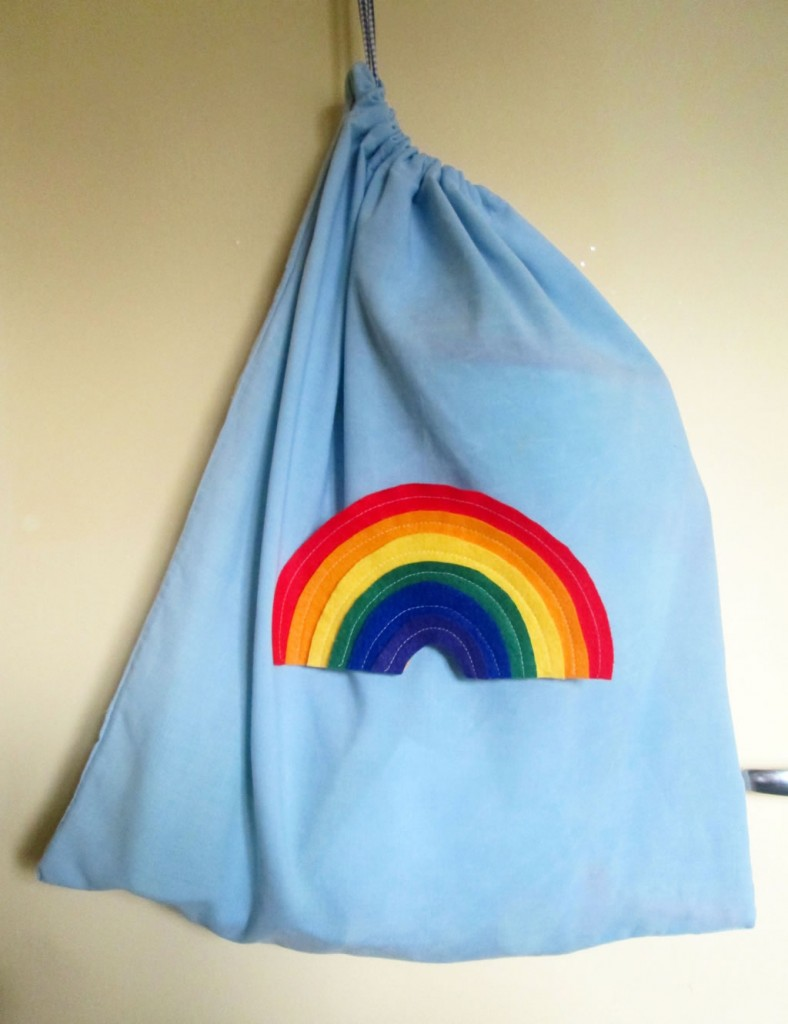 how to make a drawstring bag from a pillowcase