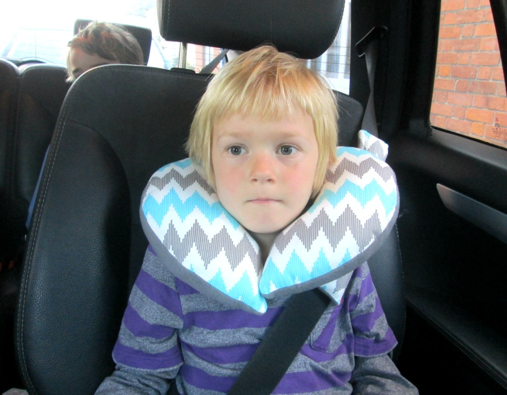 easy childs travel pillow neck how to tutorial