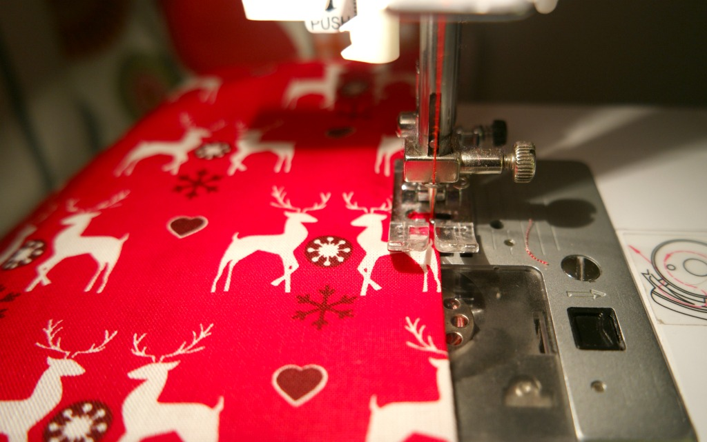 how to sew christmas cushion present tutorial diy