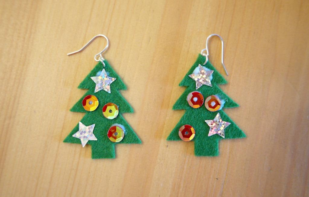 very easy diy christmas earrings christmas tree earrings tutorial how to