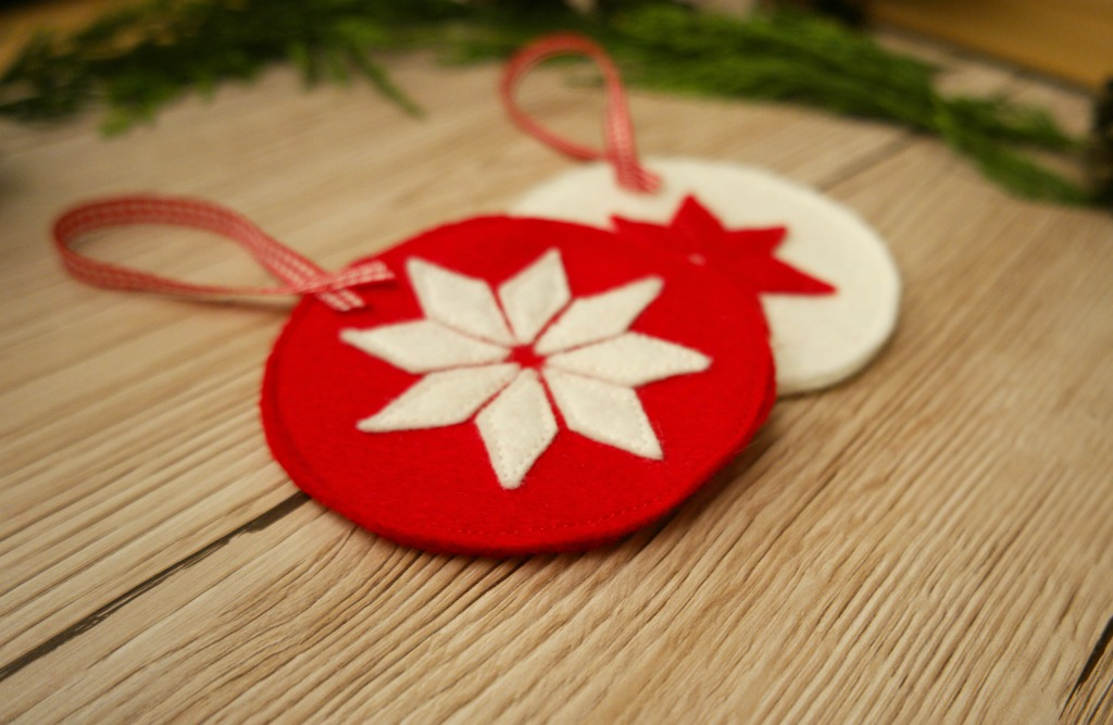 diy scandinavian style christmas decorations felt bauble star