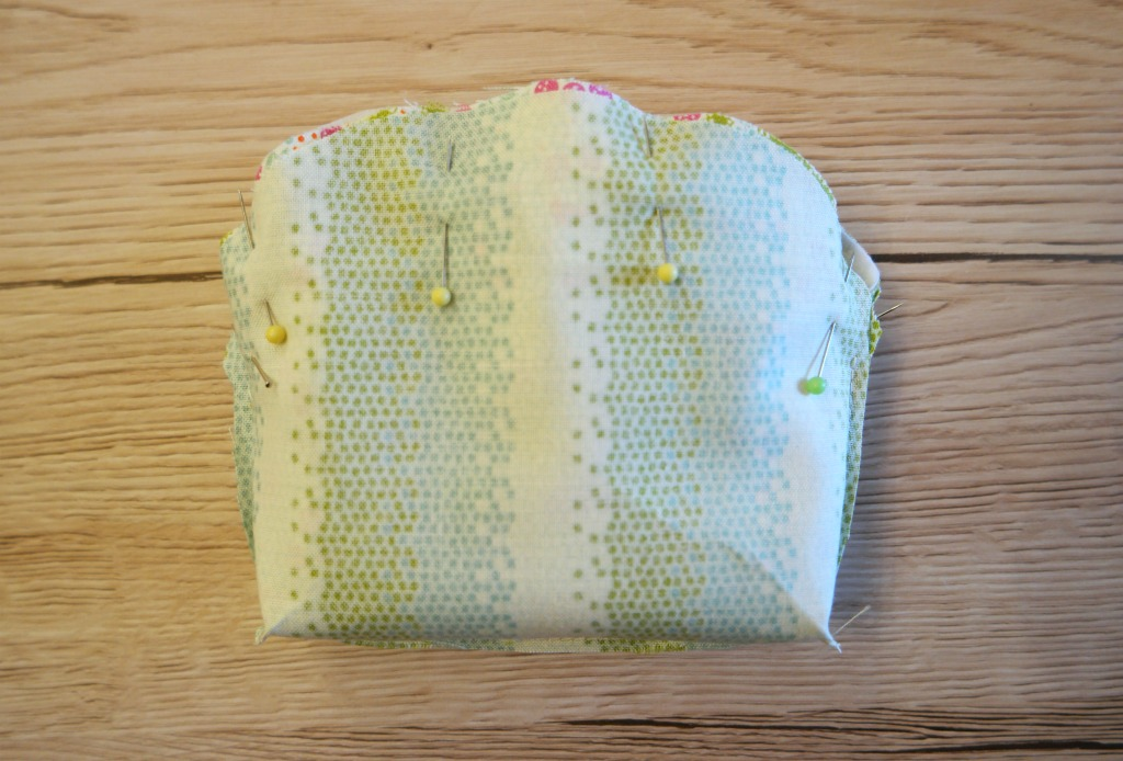 easy lace zip purse tutorial