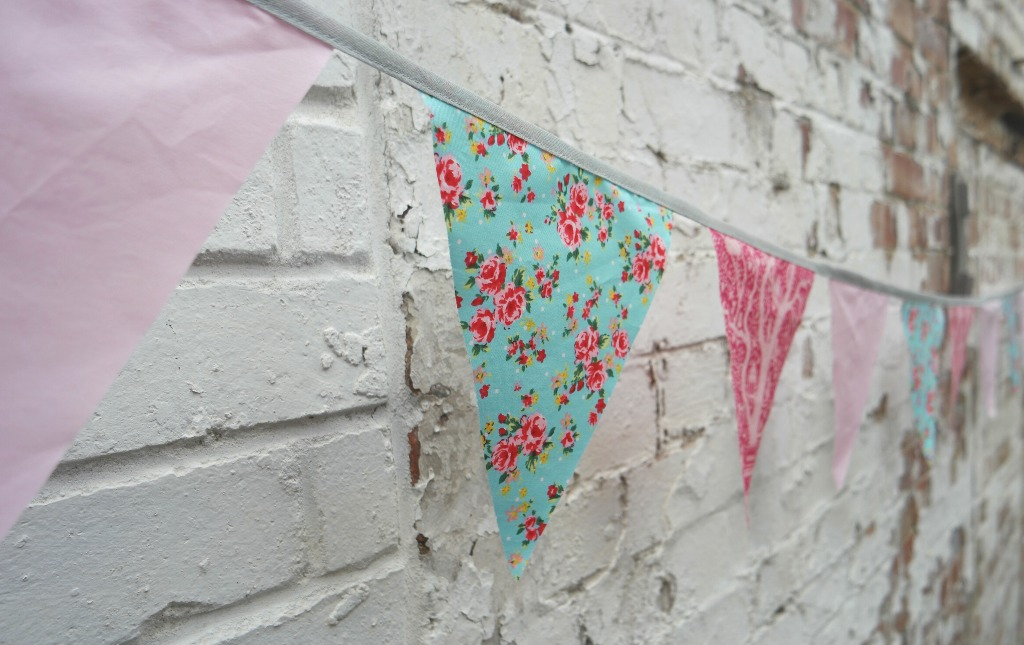 easiest bunting tutorial ever year of bunting challenge 4 bunting with flowers