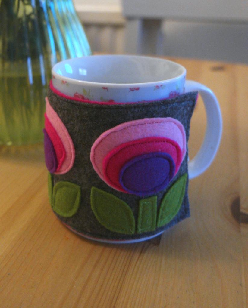 felt mug cosy tutorial