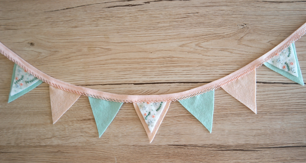 embroidered felt bunting tutorial