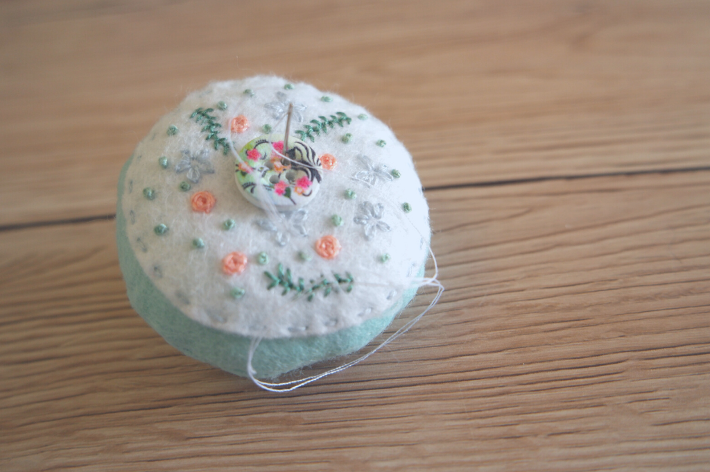 embroidered felt pincushion tutorial